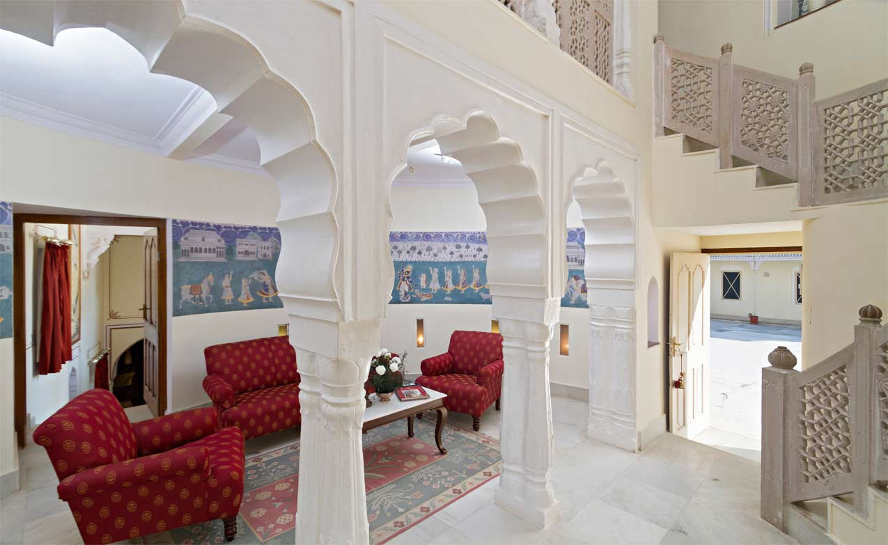 Luxury Hotel with Appealing Royal Wedding Suites India